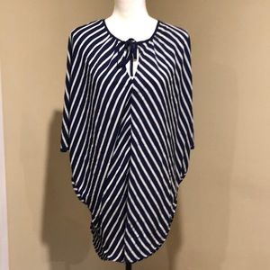 Women's med tunic by Mossimo